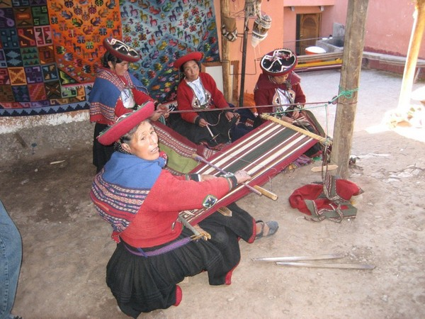 Peruvian Ladies Weaving